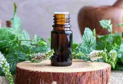 Essential oil certification course