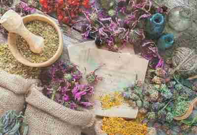 Aromatherapy blending techniques course