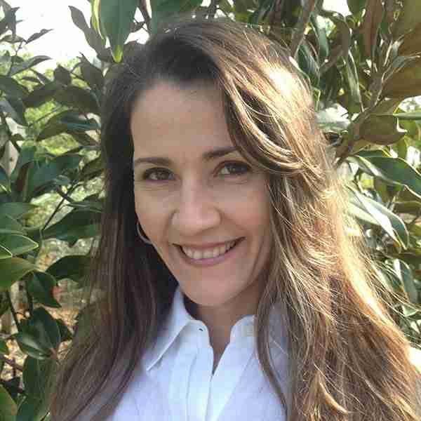 Certified aromatherapy educator: Jennifer Pressimone